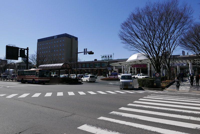 福島駅の東口の一般車の進入経路の写真