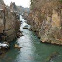 x-t3で撮影した冬の厳美渓の風景写真上流部の写真