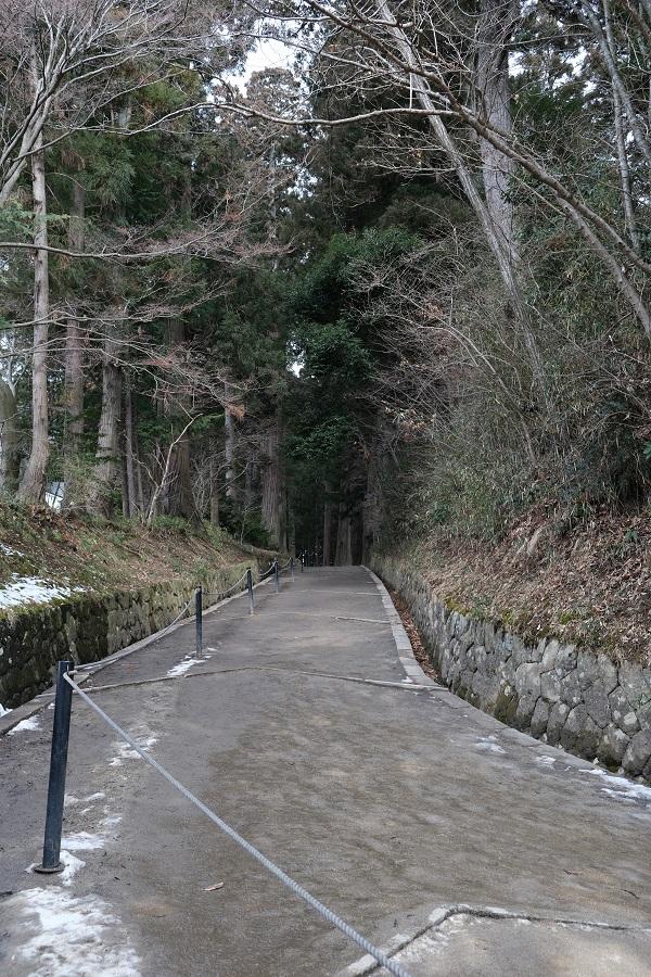 xt3のレビュー画質の評価中尊寺月見坂の冬の風景写真