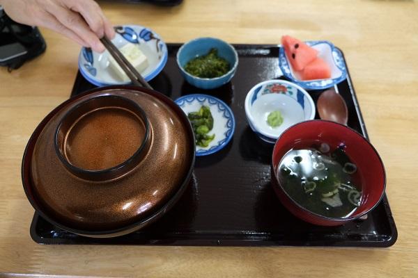 小松の鶴亀丼の写真